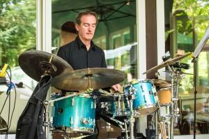 Leo Harris von den Jazzikanten am Schlagzeug.