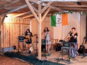 06 06 Irish Folk mit Celtic Shamrock 1