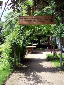 Eingangsweg